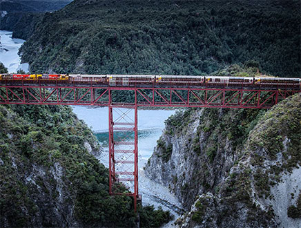 "Circuit bus + train  – 13 jours/ 12 nuits ""Outstanding NZ"""